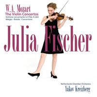 Fischer, Julia