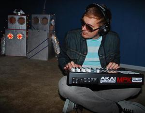 Andrews, Kyle