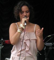 Andrade, Mayra